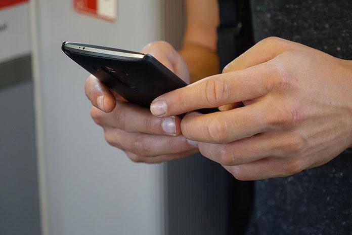 T-Mobile co tydzień rozdaje prezenty swoim klientom. Sprawdź o co chodzi z Happy Fridays z aplikacją Mój T-Mobile!